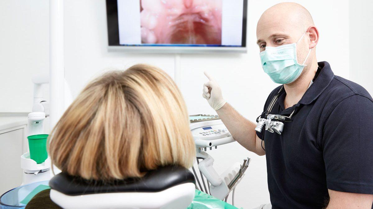 Fotos der Zähne helfen uns bei der umfangreichen Aufklärung