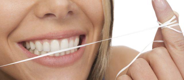Gesunde Zähne mit der professionellen Zahnreinigung